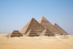Gizah_Pyramids
